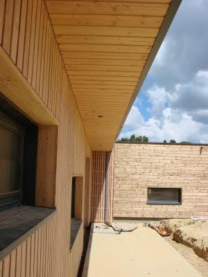 sous face toiture bois rev tements modernes du toit. Black Bedroom Furniture Sets. Home Design Ideas